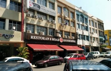 8 Road Restaurant Puchong